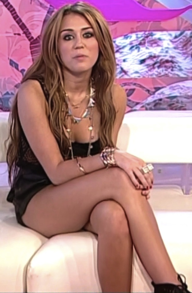 Miley Cyrus Hot Legs